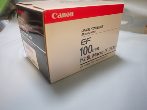 Canon EF100mm/2.8f MACRO IS USM がやってきた