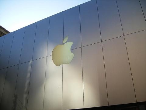 【iPhone】アップル4─6月期、iPhone の販売が日本では66%増加!
