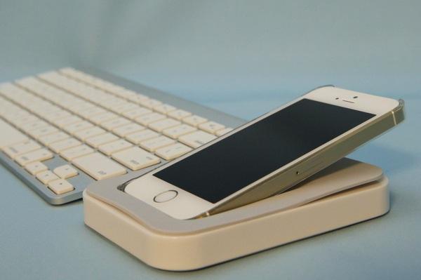 Apple社認証「Made for iPhone」準拠のLightningコネクター搭載充電トレイ「Saidoka」を購入