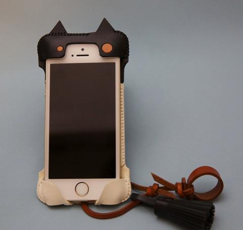 【iPhone ケース】さすが匠の技とセンス、ハンドクラフトレザーケースを特注