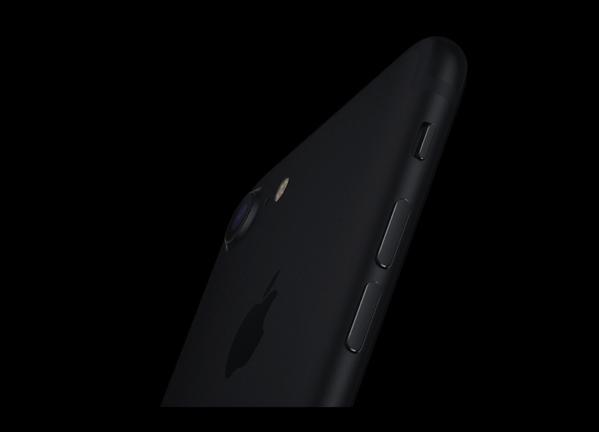 iPhone 7 のマットブラック(ブラック)で塗装が剥がれるユーザーが増えている