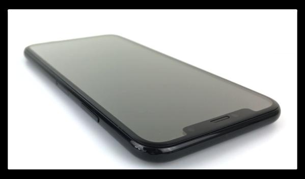 「iPhone 8」のFace IDは、iPhoneが横になっていても認識するかもしれない