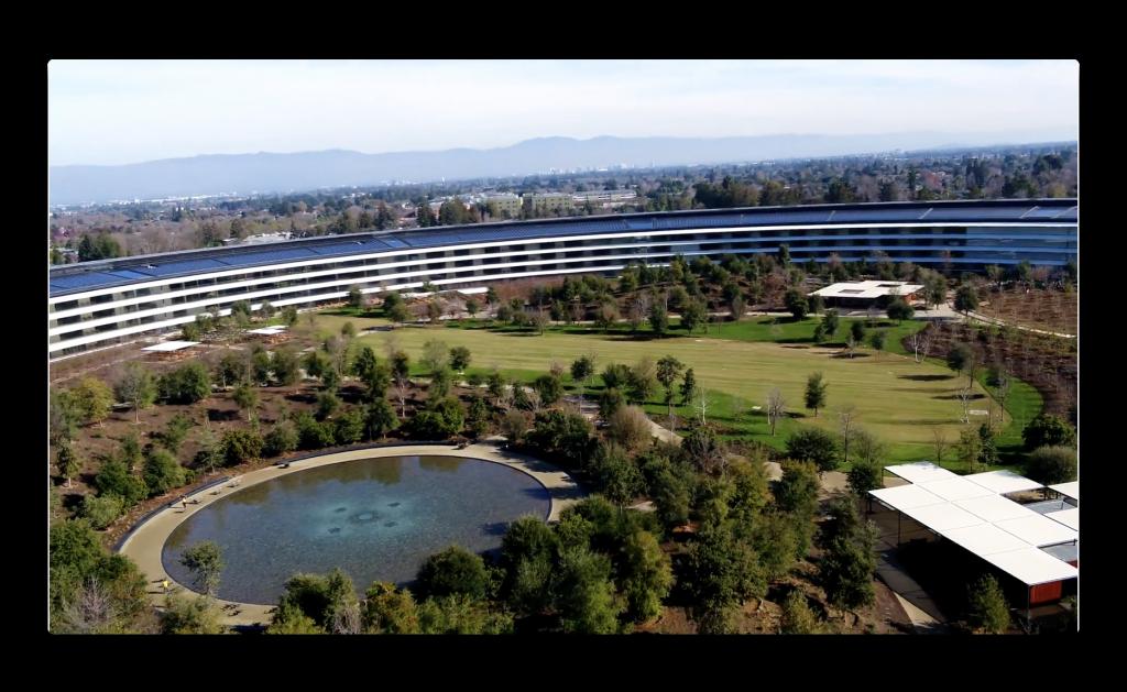 2018年の最初の新しいApple Parkのドローンでの映像が公開される