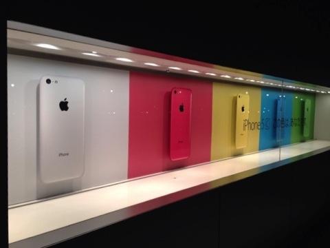 【iPhone】アップルストア心斎橋に並んで「iPhone 5s シャンパンゴールド 64GB」を希望通り手に入れました