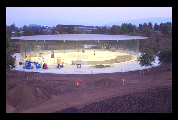 最新のApple Parkのドローン映像、Steve Jobs Theatreは来月のイベントに間に合うのか?