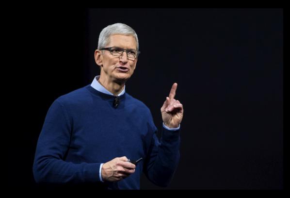 AppleのTim Cook CEOは、新しいiPhoneが遅れるとの予測を払拭!