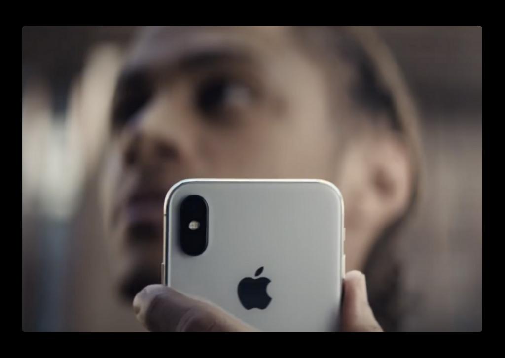 Apple、iPhone XでApple Payを使う利便性にフォーカスしたCF「Fly Market」を公開