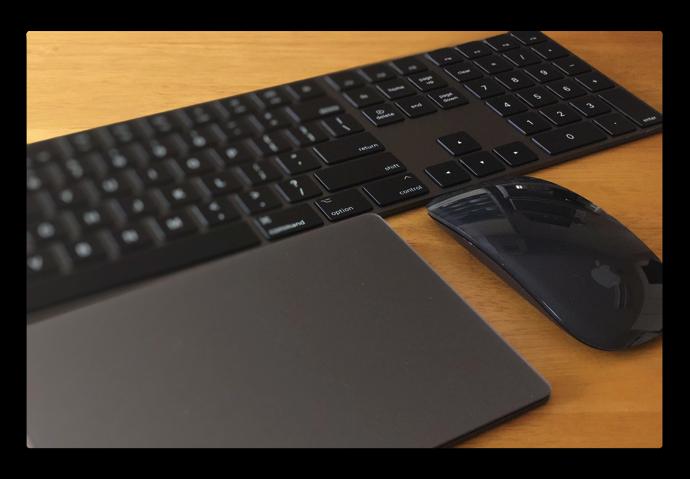 Mac Accessories Space Gray 007