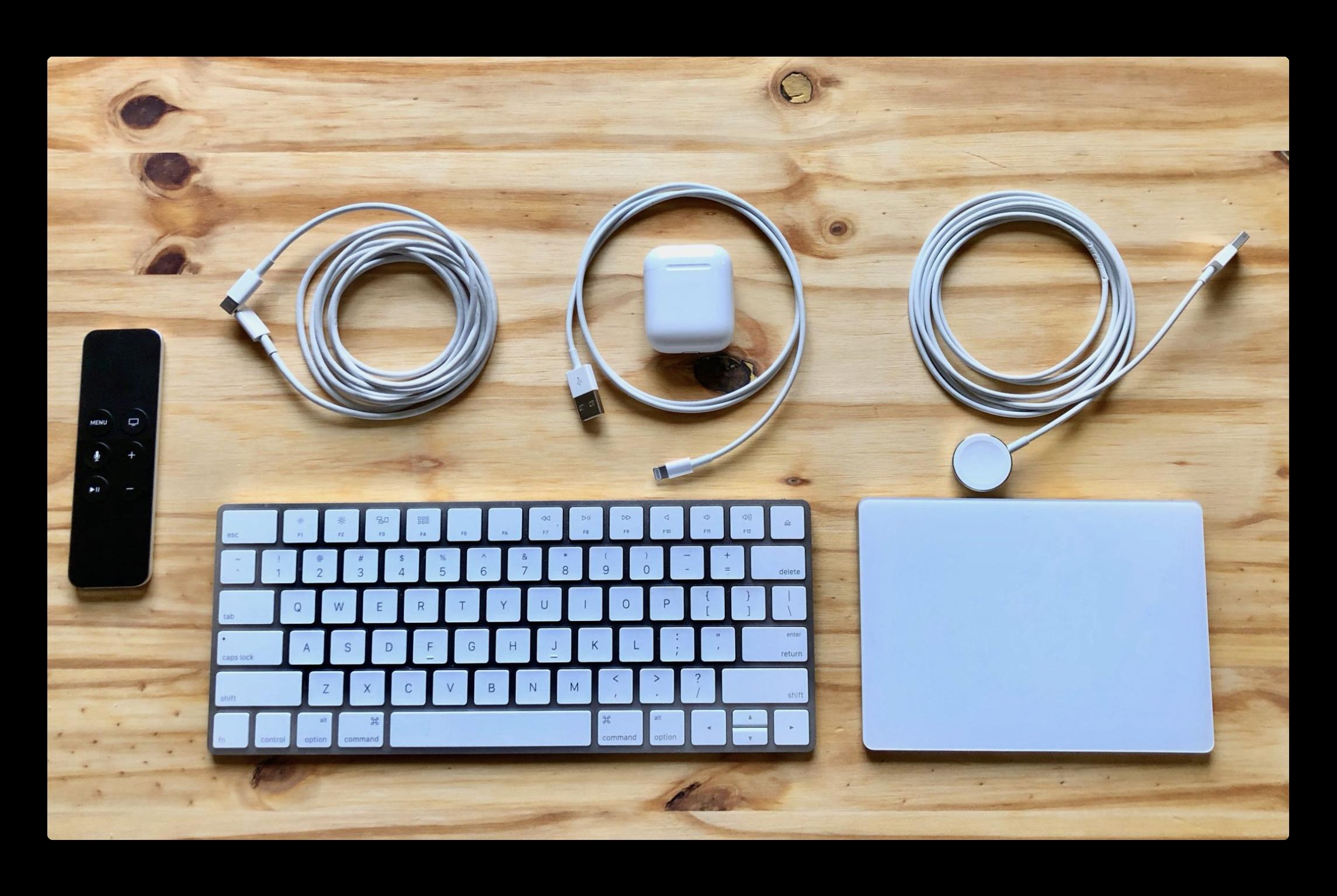 Appleのケーブル、キーボード、マウス、トラックパッドなどのクリーニング方法