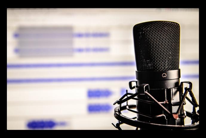 Macの音声入力(Dictation)機能を使って日本語も英語もテキストに起すことが出来る