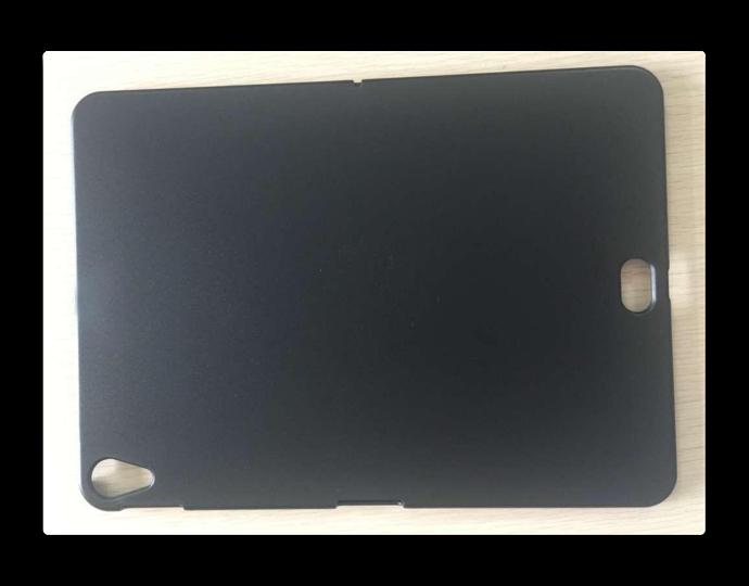 iPad Proのリークされたケースから、スマートコネクタが場所が明らかに?