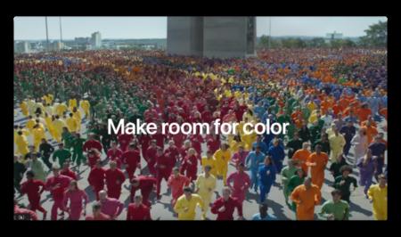 Apple、ボディカラーを強調した「iPhone XR — Color Flood」と題する新しいCFを公開