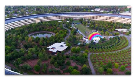 Apple Parkの興味深いレインボーアーチイベントステージを含む新しいドローンビデオが公開