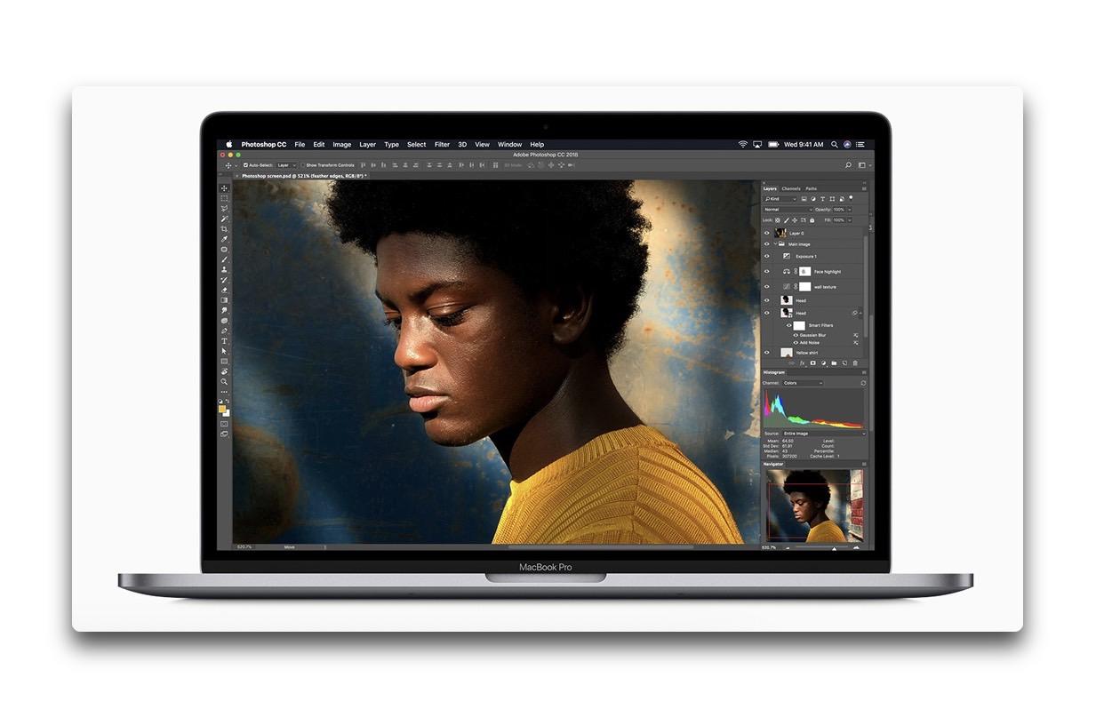 Apple、初の8コア搭載したMacBook Proを発表