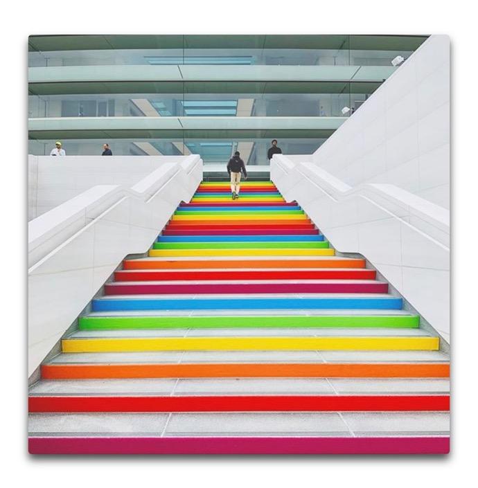 Rainbow Apple Park 00002 z
