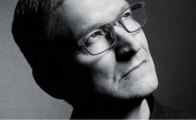 Tim CookがAppleの従業員にJony Iveの退任に関する電子メールを送る
