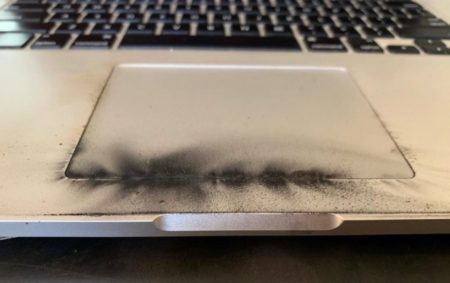 Appleが15インチMacBook Pro 2015のバッテリ自主回収プログラムを行うようになった画像