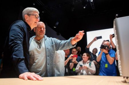 Jony Iveの最大の成果はiPhoneではなく、オリジナルのBondi Blue iMacだった