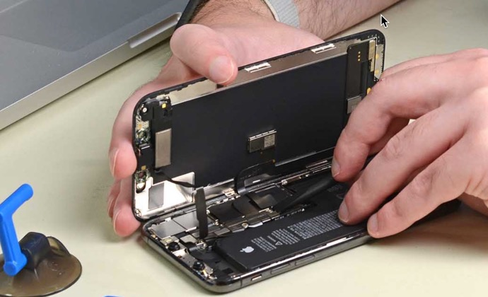 Apple、iPhoneのアフターマーケットのバッテリー交換警告に対応