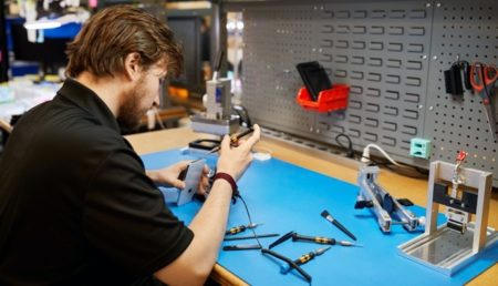 Apple、集荷と返却での修理を行う認定サービスプロバイダーに補助金を提供