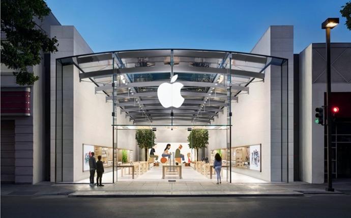Apple,5月にさらに多くの店舗を再開予定