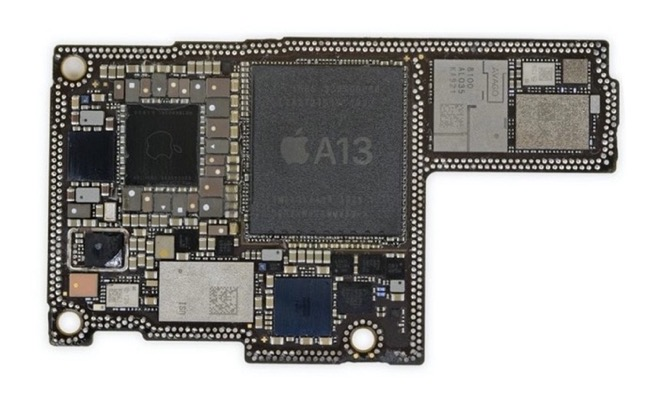 IPhone 12 motherboard 00002 z