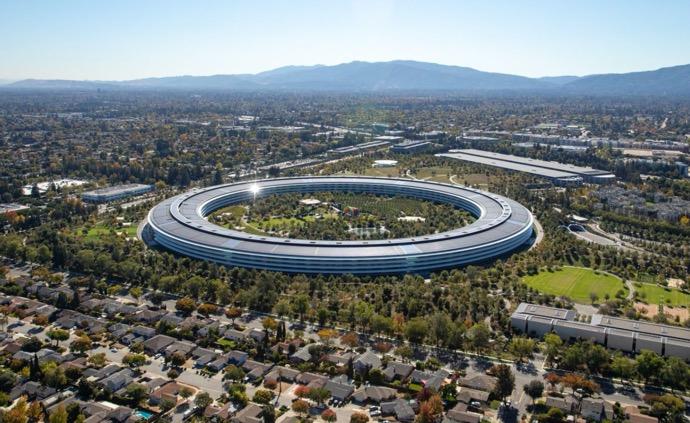Appleはハードウェア開発を皮切りに段階的に職場復帰を計画