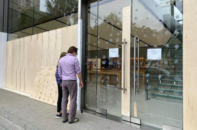 Apple、広範な抗議、略奪の中で全米のアップルストアを閉鎖