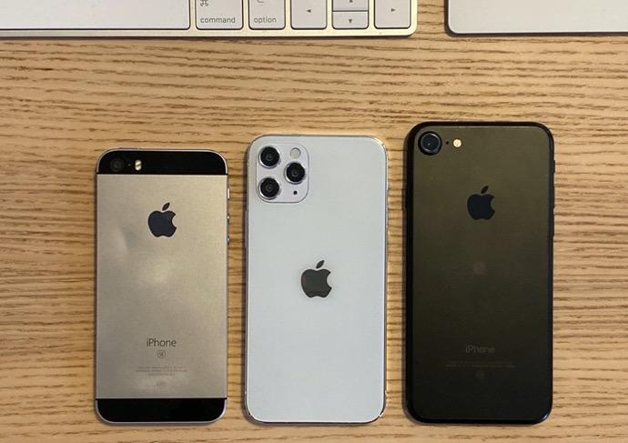 5.4インチiPhone 12モデルとiPhone SE(第1世代)、iPhone 7のサイズを比較した画像が公開