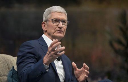 Appleの最高経営責任者(CEO)、Tim Cookの2019年の報酬総額は1億3,300万ドル超え