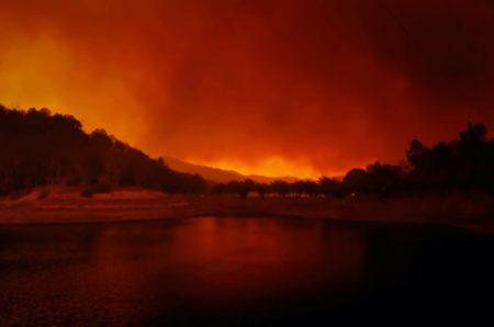 Apple、カリフォルニア州の山火事救援活動に寄付