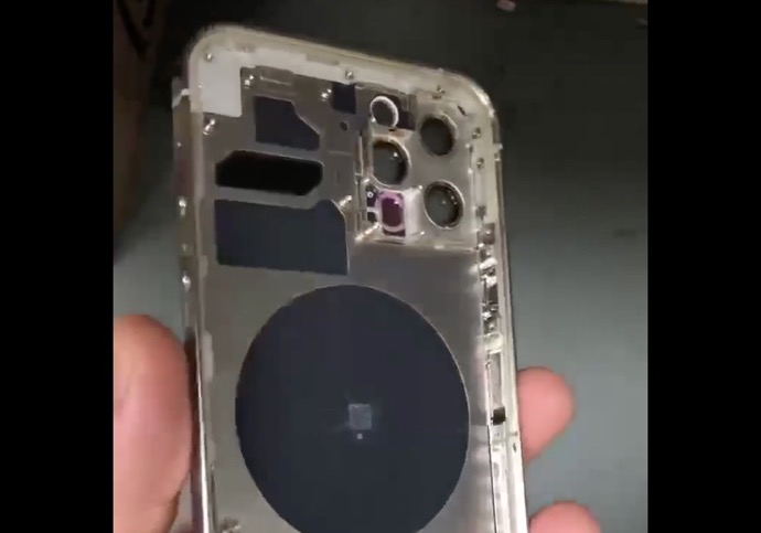 iPhone 12 Proとされるシャーシの動画がTwitterでリーク