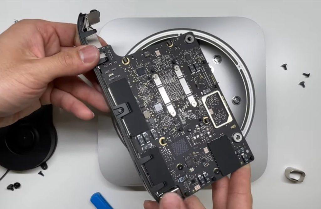 M1 Mac miniの分解から、より小さなロジックボードとハンダ付けされたRAMが明らかになる