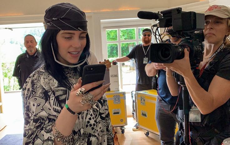 Apple TV+、「Billie Eilish. The World's A Little Blurry」ライブプレミアイベントを2月25日に開催