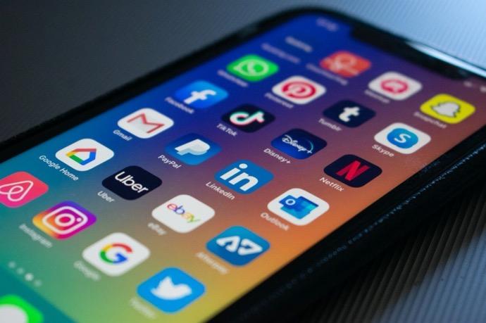 一部のiOSアプリがクラウドサービスの設定ミスでデータを漏洩していることが調査で明らかに