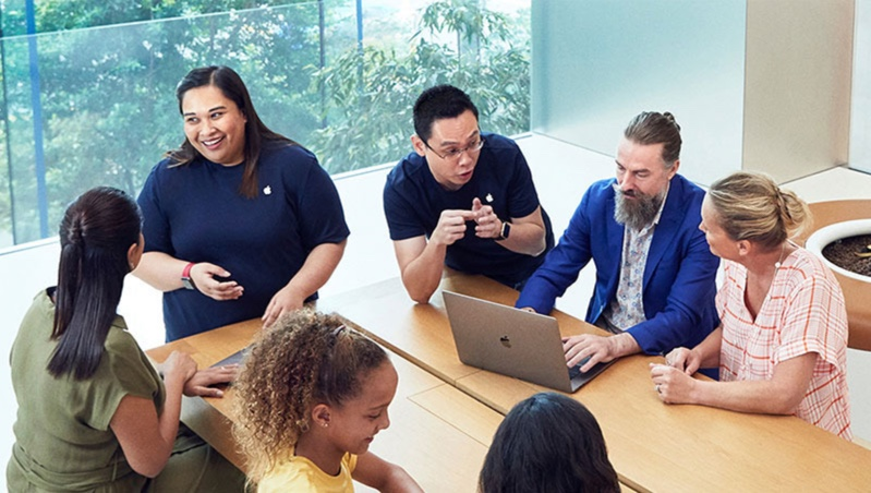 Apple、従業員のバッグチェックに関する損害賠償訴訟に直面