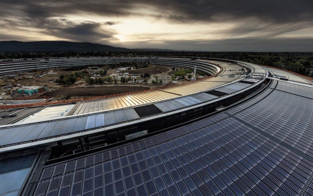 Appleの従業員は、会社がリモートワークに強硬な姿勢をとっているため、辞めなければならないと言う