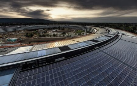Appleのエンジニアリングマネージャーは、職場での性差別についてのツイートに続いて休職