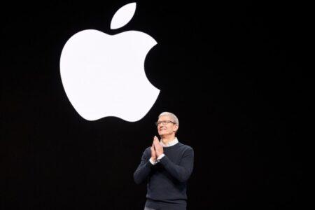 AppleのTim Cook CEO、米国で最も高給取りのエグゼクティブリストで8位にランクダウン